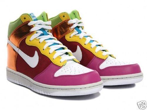61f94895b49 Tênis Nike Colorido - Os Modelos Que Fazem O Estilo Dos Jovens ...