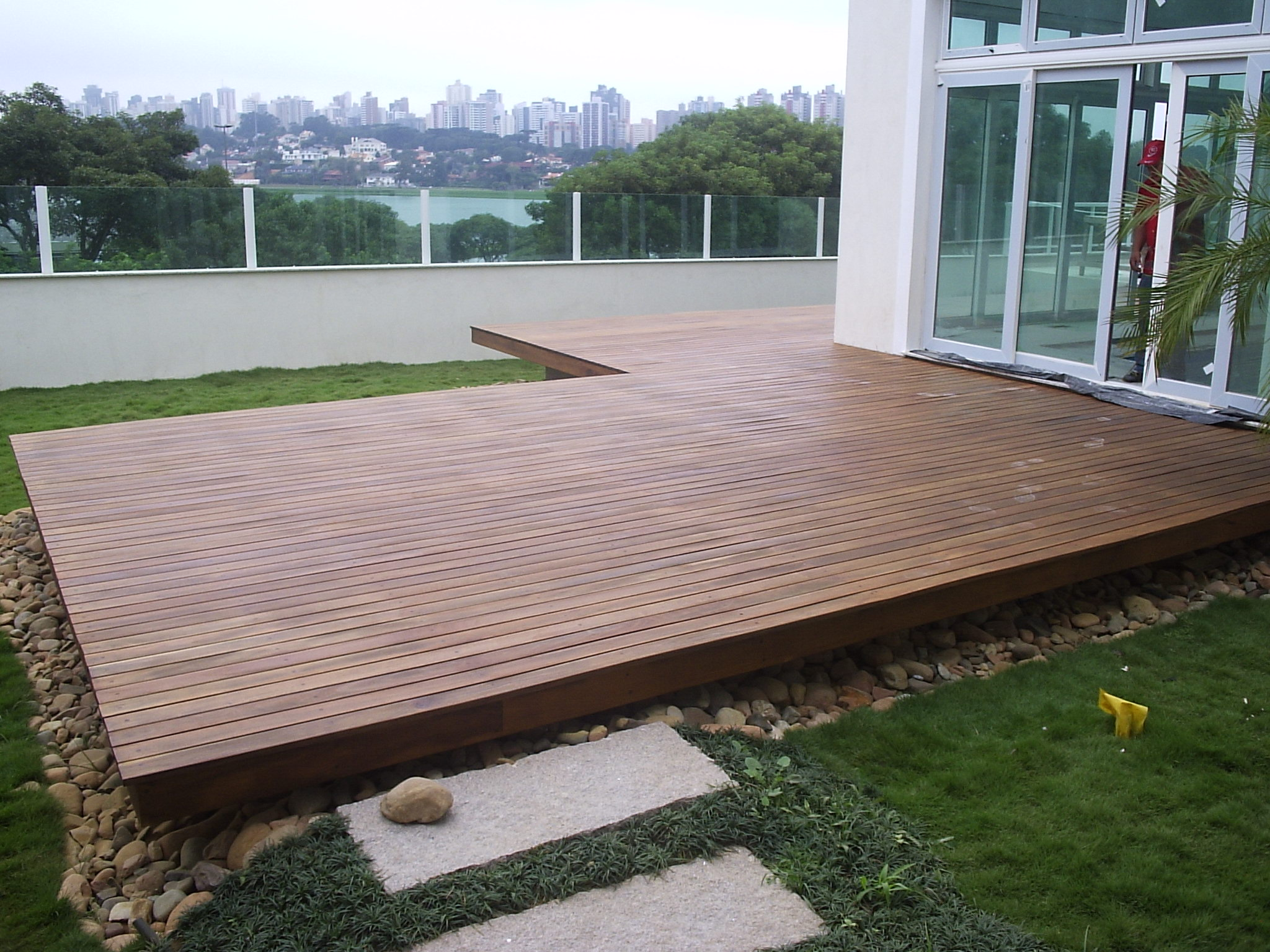 Deck de madeira para jardim wdicas wdicas for Simple platform deck plans