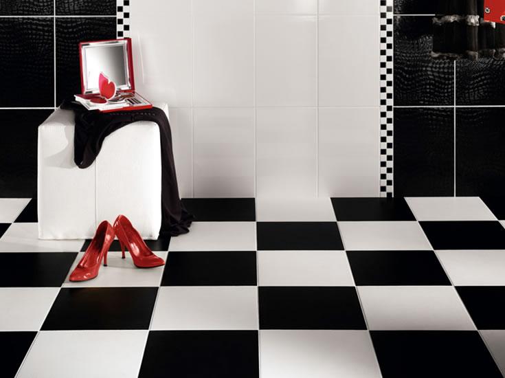 Baños Modernos Blaisten:Black and White Bathroom with Red Accents