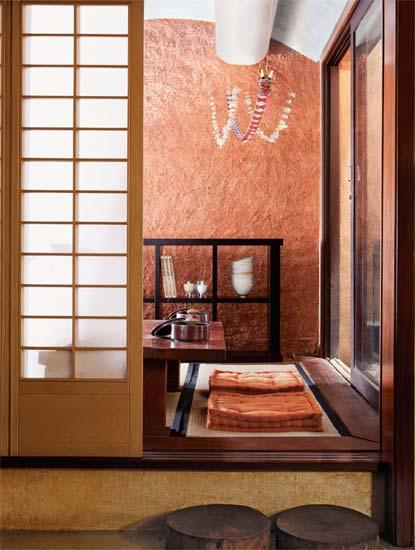 decoracao de interiores estilo oriental: de madeira e papel, para entrar no cômodo, tira-se o calçado