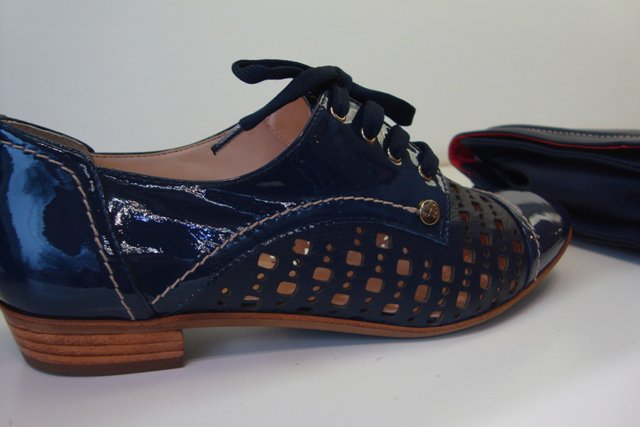 215937f30 Artigos Similares: Sapato Oxford Feminino Forte Tendência Inverno 2011 ...