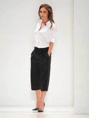 look preto e branco victoria-beckham